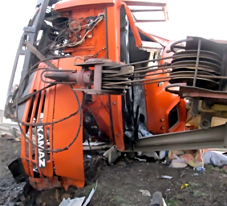 Шофёр «КАмаЗа» умер при столкновении сбольшегрузом на а/д Оренбург-Самара