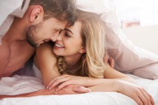 Во сне люди занимаются сексом